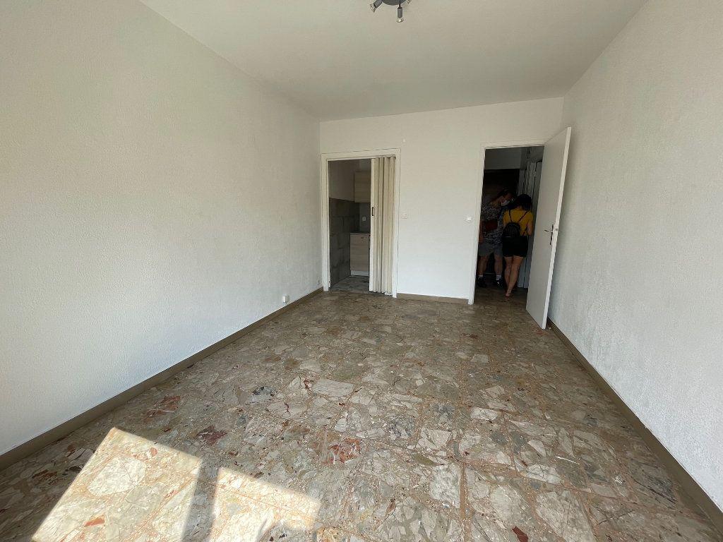 Appartement à louer 1 24m2 à Vence vignette-2