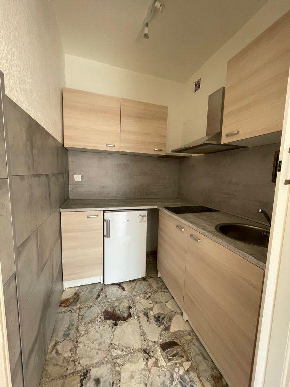 Appartement à louer 1 24m2 à Vence vignette-3