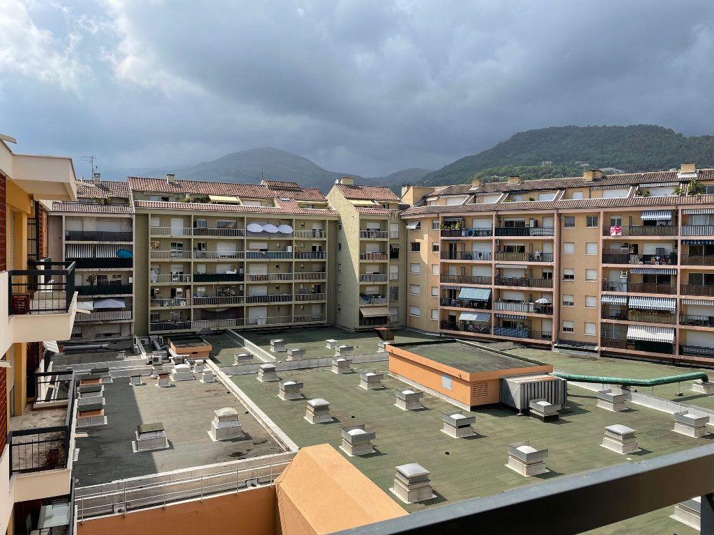 Appartement à louer 1 24m2 à Vence vignette-5
