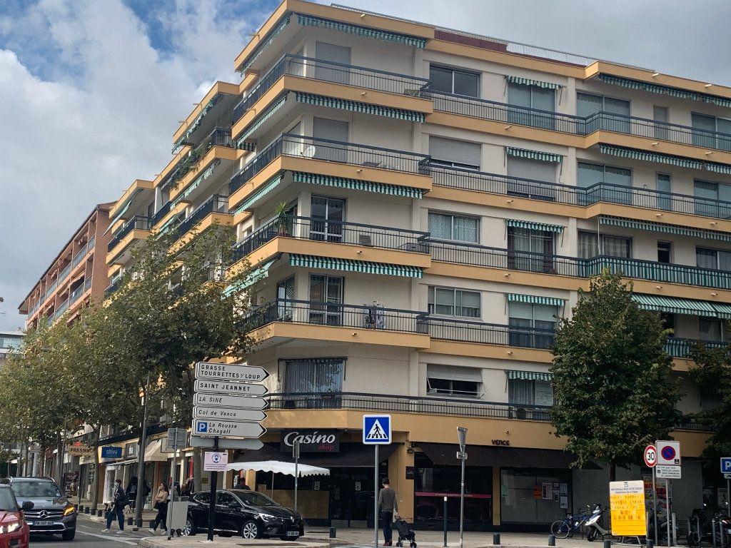 Appartement à louer 1 24m2 à Vence vignette-6