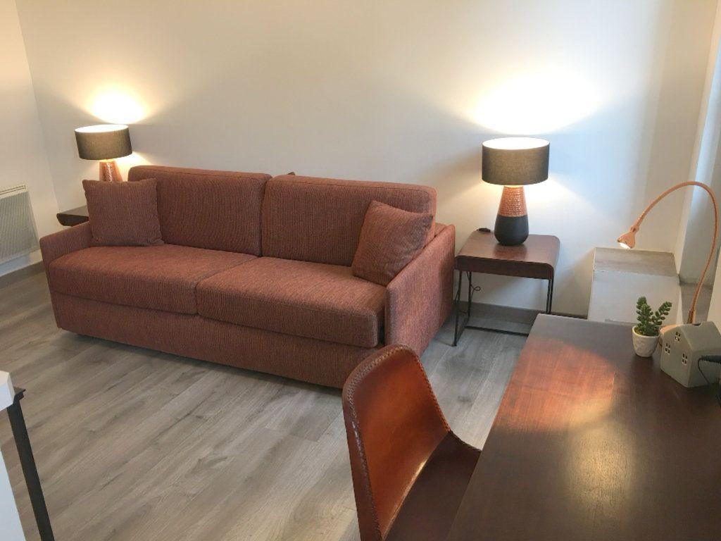 Appartement à louer 1 21.65m2 à Vence vignette-1
