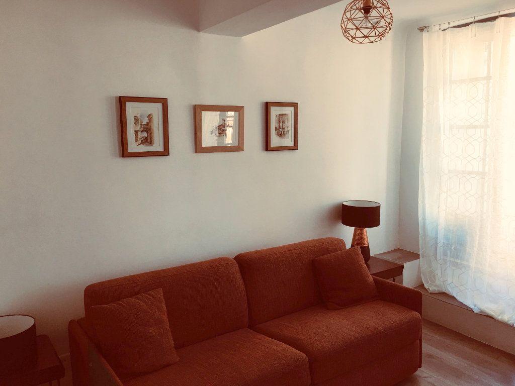 Appartement à louer 1 21.65m2 à Vence vignette-5