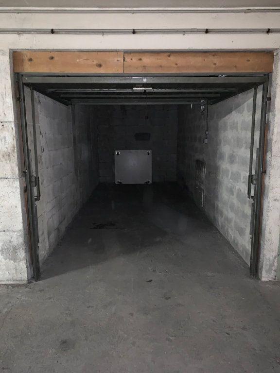 Stationnement à louer 0 12m2 à Vence vignette-2