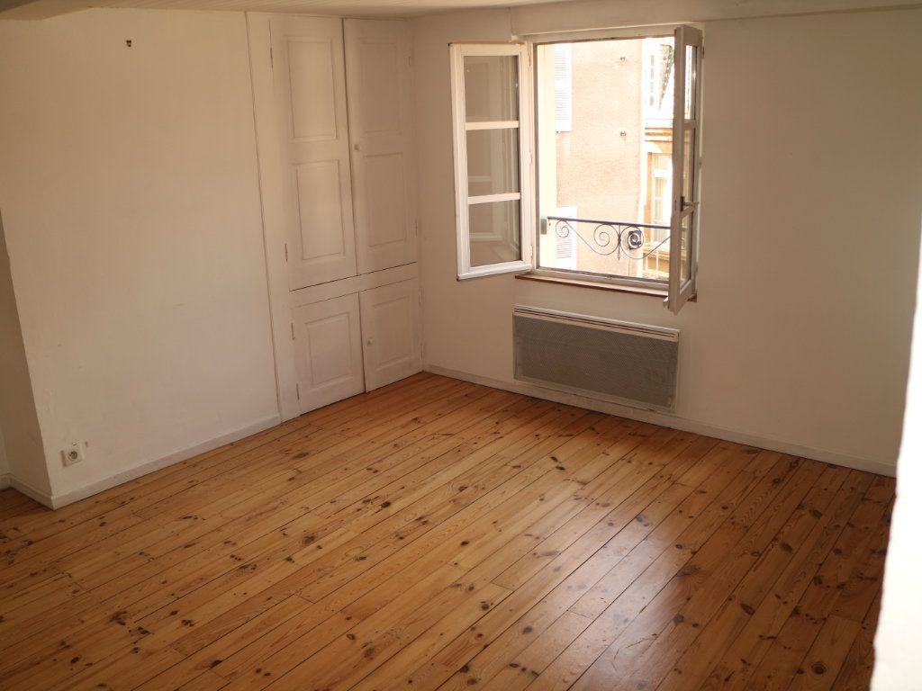 Appartement à louer 3 44m2 à Mende vignette-3