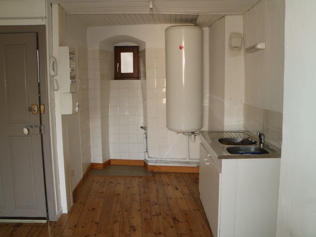 Appartement à louer 3 44m2 à Mende vignette-4