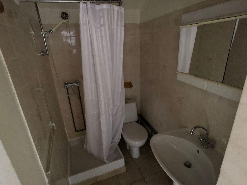 Appartement à louer 2 19m2 à Marvejols vignette-5