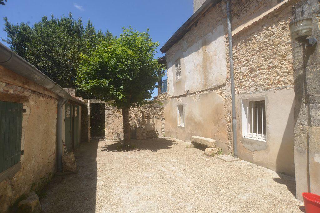 Maison à vendre 6 197.3m2 à Roquefort vignette-1