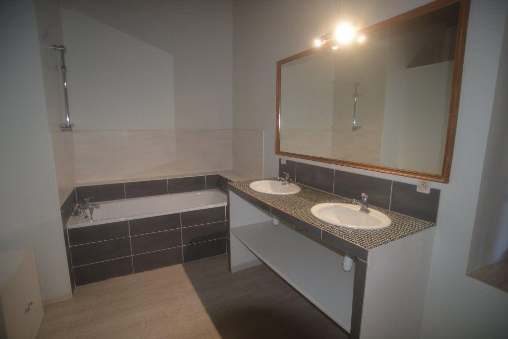 Maison à vendre 6 197.3m2 à Roquefort vignette-13