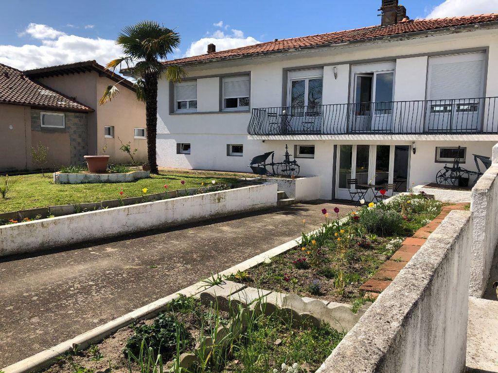 Maison à vendre 9 212m2 à Pontonx-sur-l'Adour vignette-1