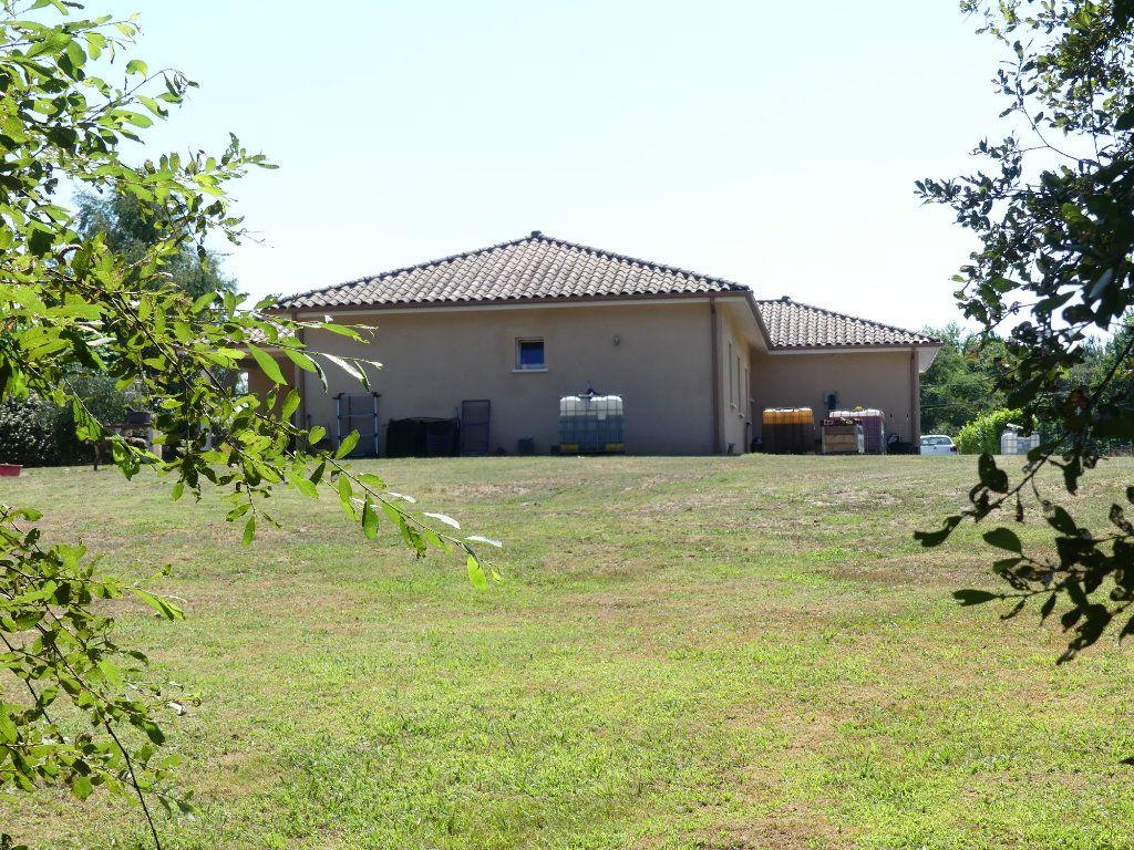 Maison à vendre 6 151m2 à Garrosse vignette-3