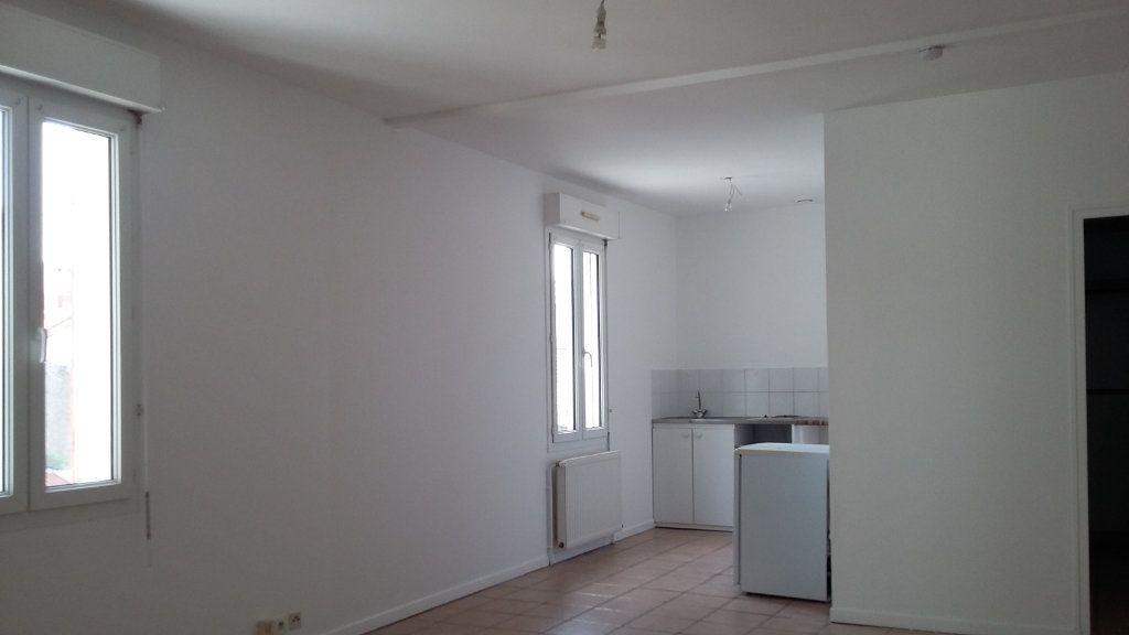Appartement à louer 1 33m2 à Morcenx vignette-1