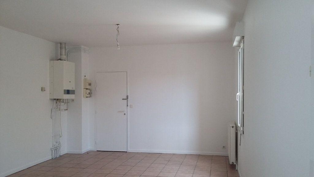 Appartement à louer 1 33m2 à Morcenx vignette-3