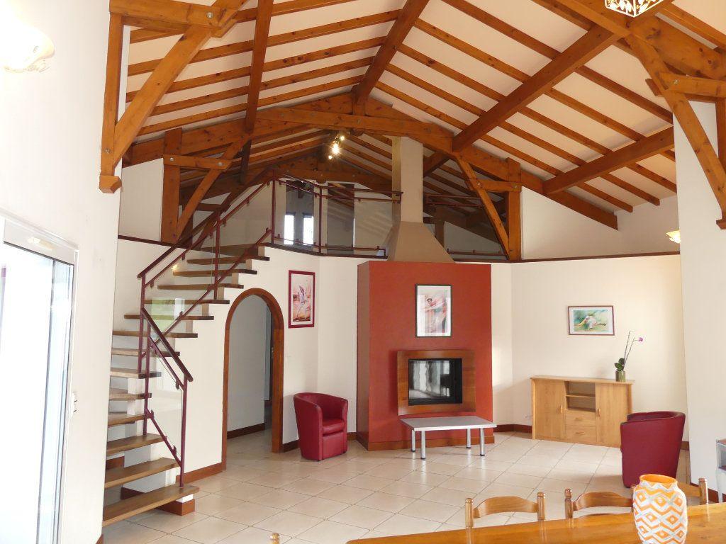 Maison à vendre 5 151m2 à Saubrigues vignette-5