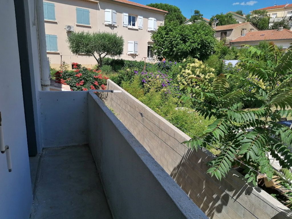Appartement à louer 2 38.36m2 à Béziers vignette-1