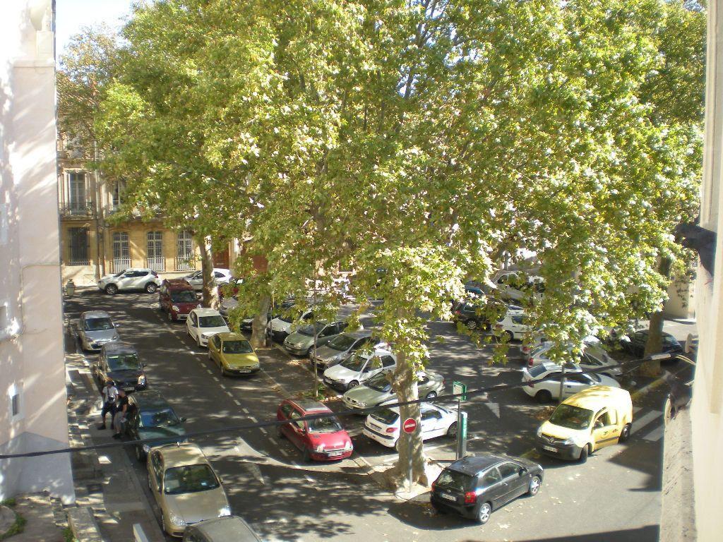 Appartement à louer 3 68.55m2 à Béziers vignette-5