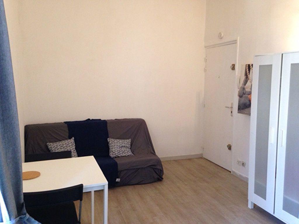 Appartement à louer 1 17m2 à Montpellier vignette-4