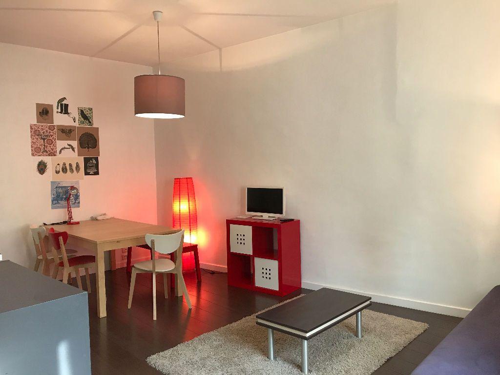 Appartement à louer 2 37.84m2 à Montpellier vignette-1