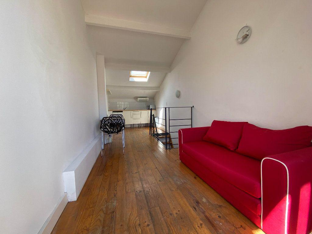 Appartement à louer 1 26m2 à Montpellier vignette-1