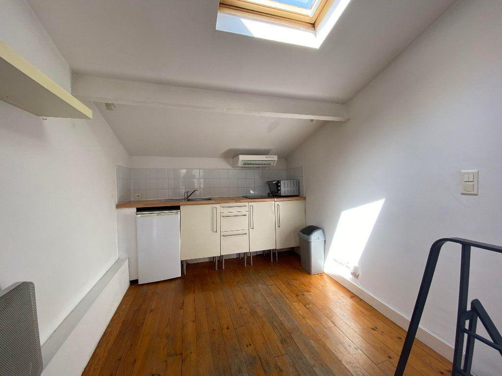 Appartement à louer 1 26m2 à Montpellier vignette-2