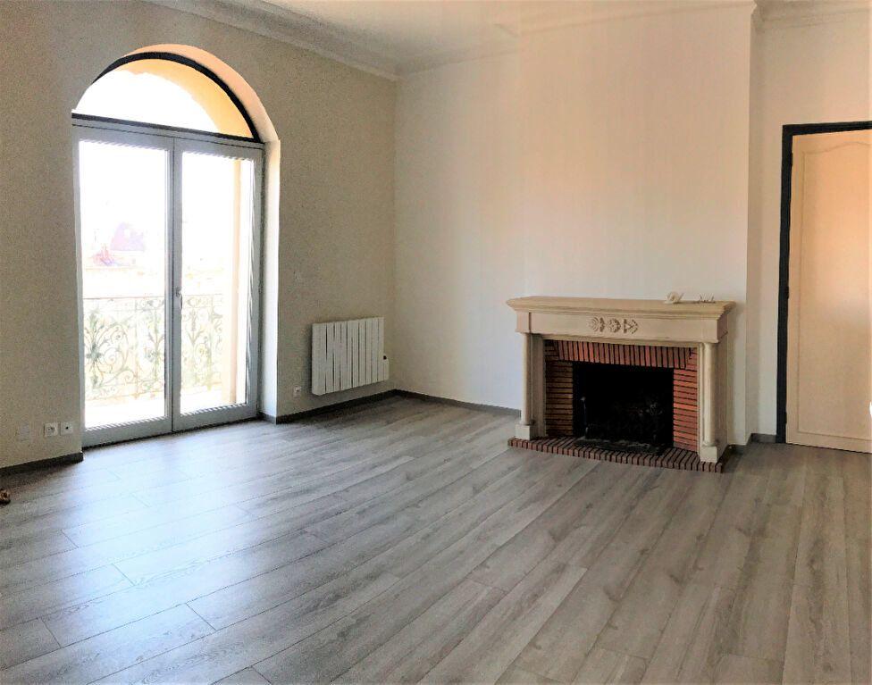 Appartement à louer 3 124.48m2 à Montpellier vignette-3