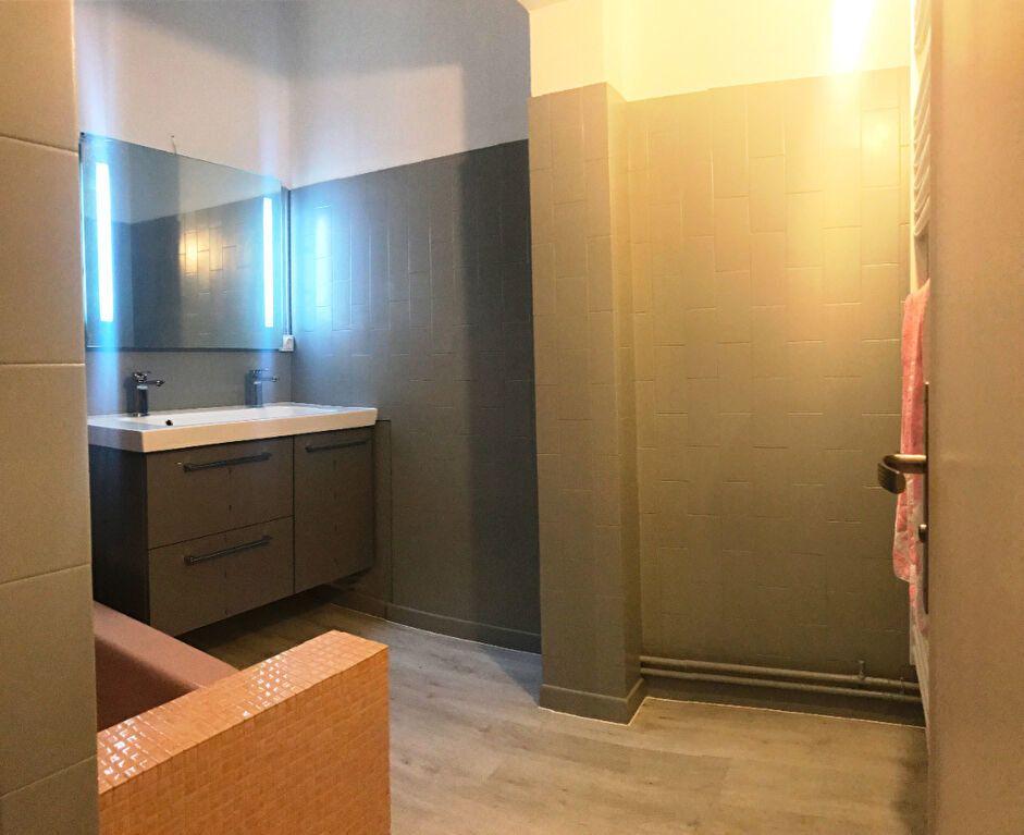 Appartement à louer 3 124.48m2 à Montpellier vignette-7