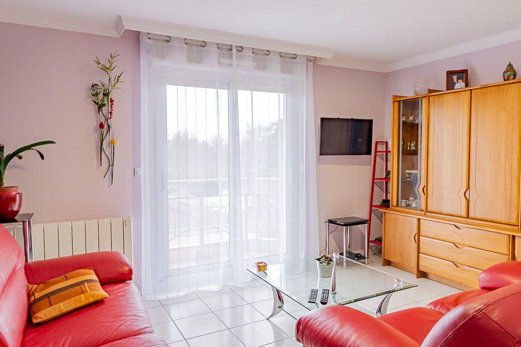 Appartement à vendre 3 62m2 à Tournefeuille vignette-2