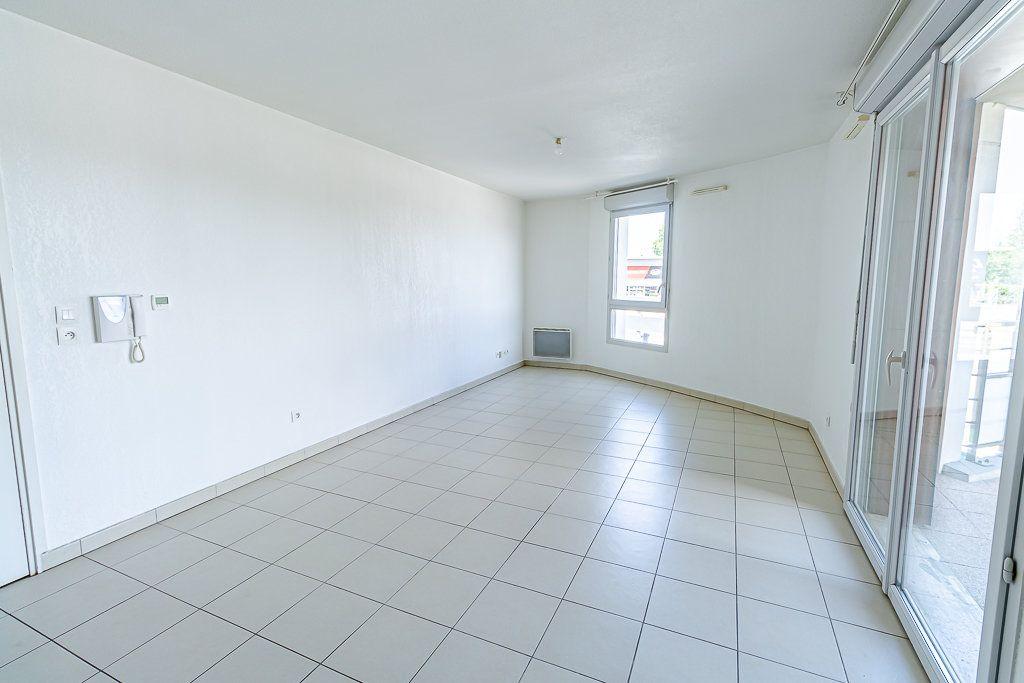 Appartement à vendre 3 57.31m2 à Toulouse vignette-3