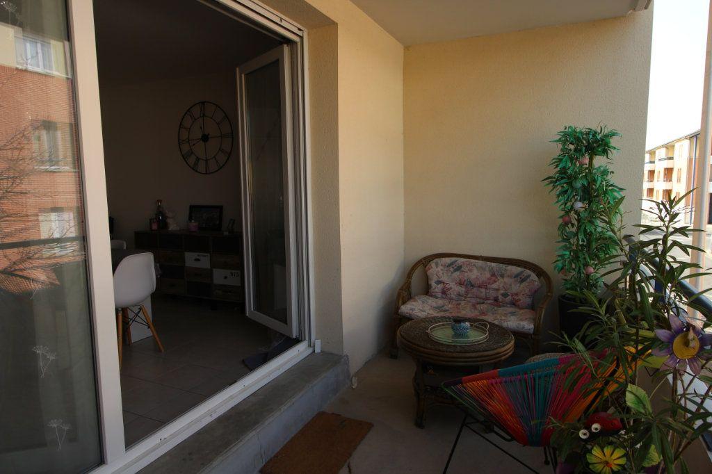 Appartement à vendre 3 63m2 à Tournefeuille vignette-4