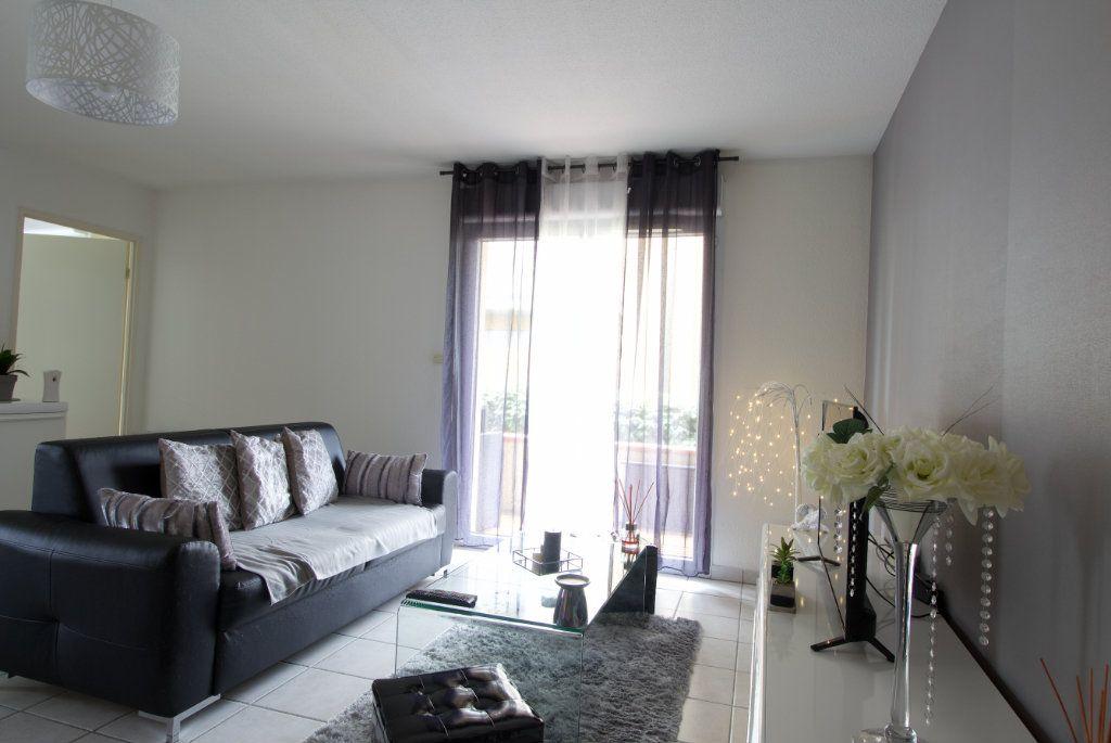 Appartement à vendre 2 54.29m2 à L'Isle-Jourdain vignette-2
