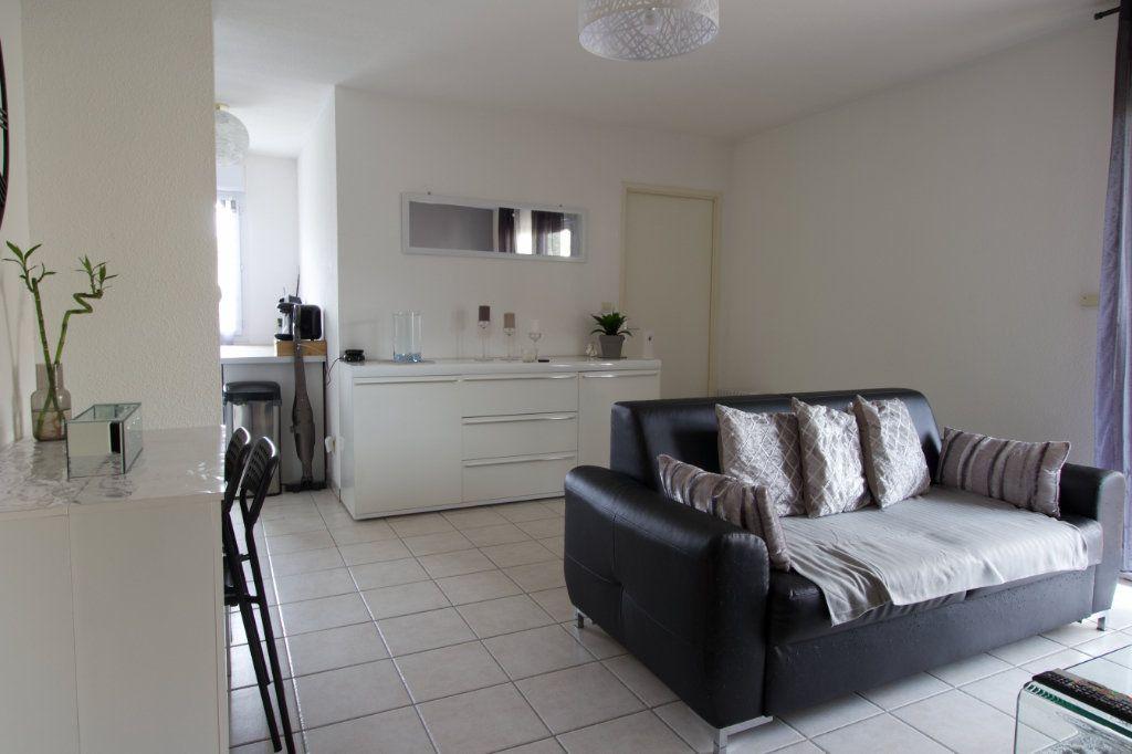 Appartement à vendre 2 54.29m2 à L'Isle-Jourdain vignette-3