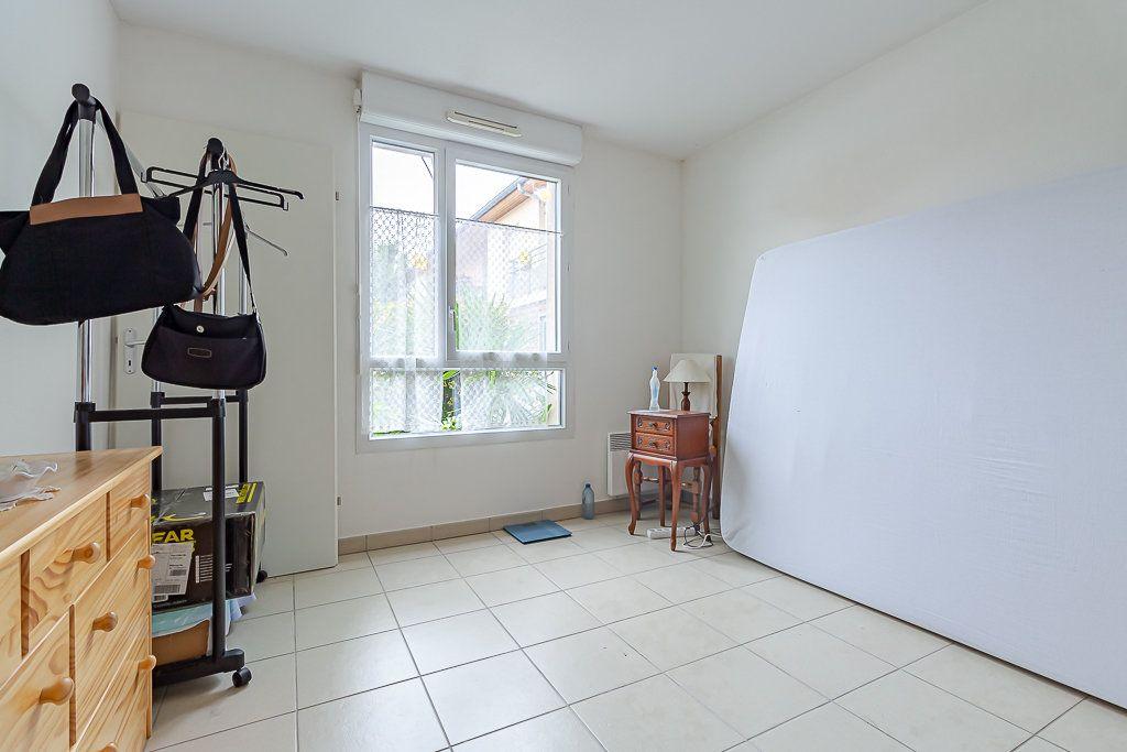 Appartement à louer 2 43.23m2 à Roquettes vignette-3