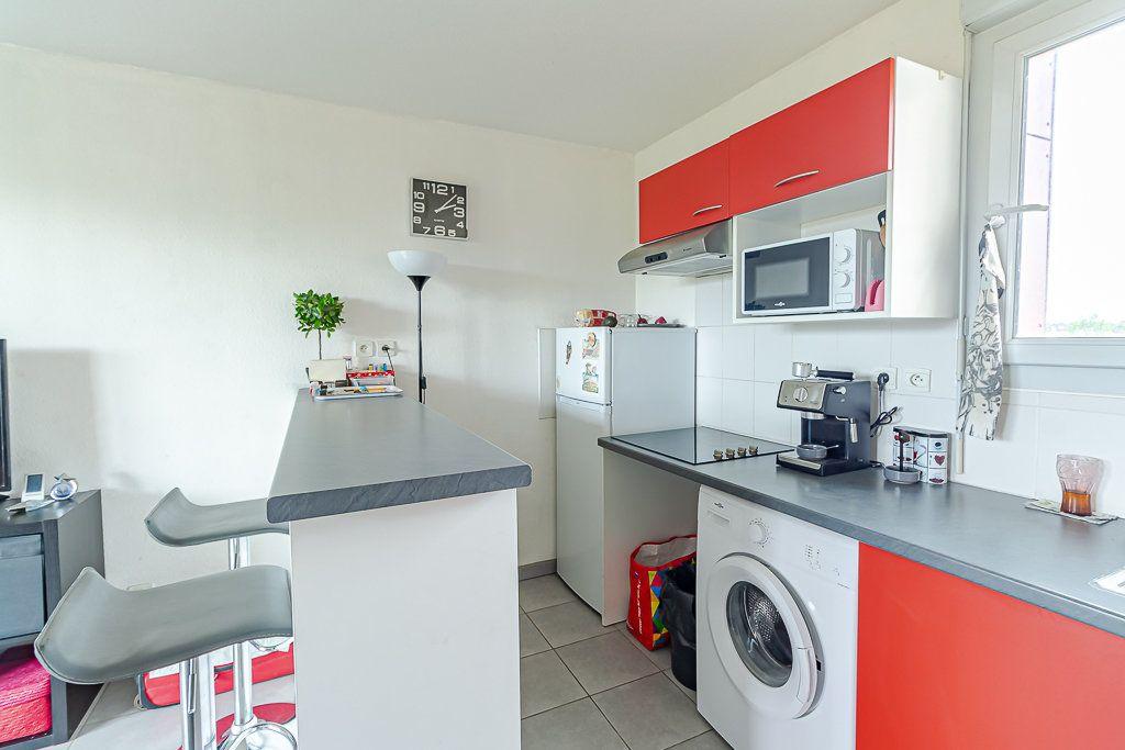 Appartement à vendre 3 53.7m2 à Toulouse vignette-3