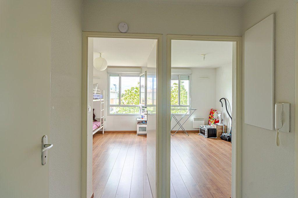 Appartement à vendre 3 53.7m2 à Toulouse vignette-4