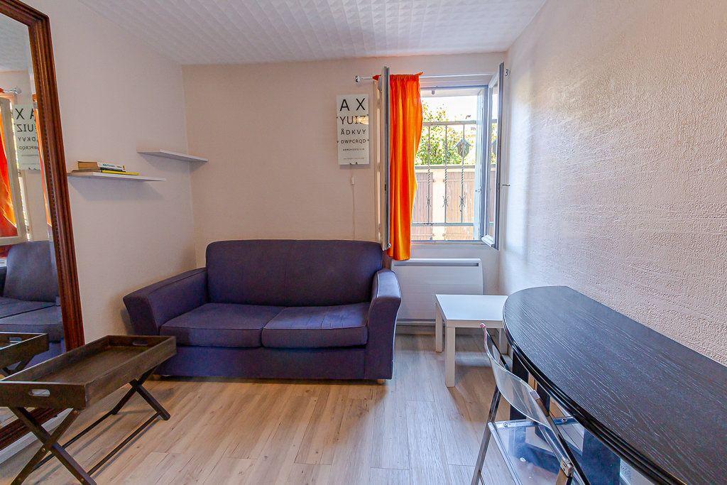 Appartement à vendre 1 14m2 à Toulouse vignette-2