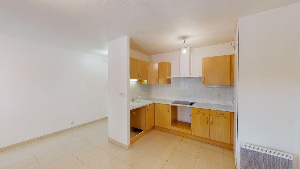 Appartement à louer 2 38m2 à Tournefeuille vignette-1