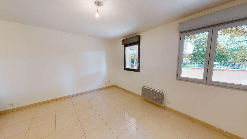 Appartement à louer 2 38m2 à Tournefeuille vignette-3