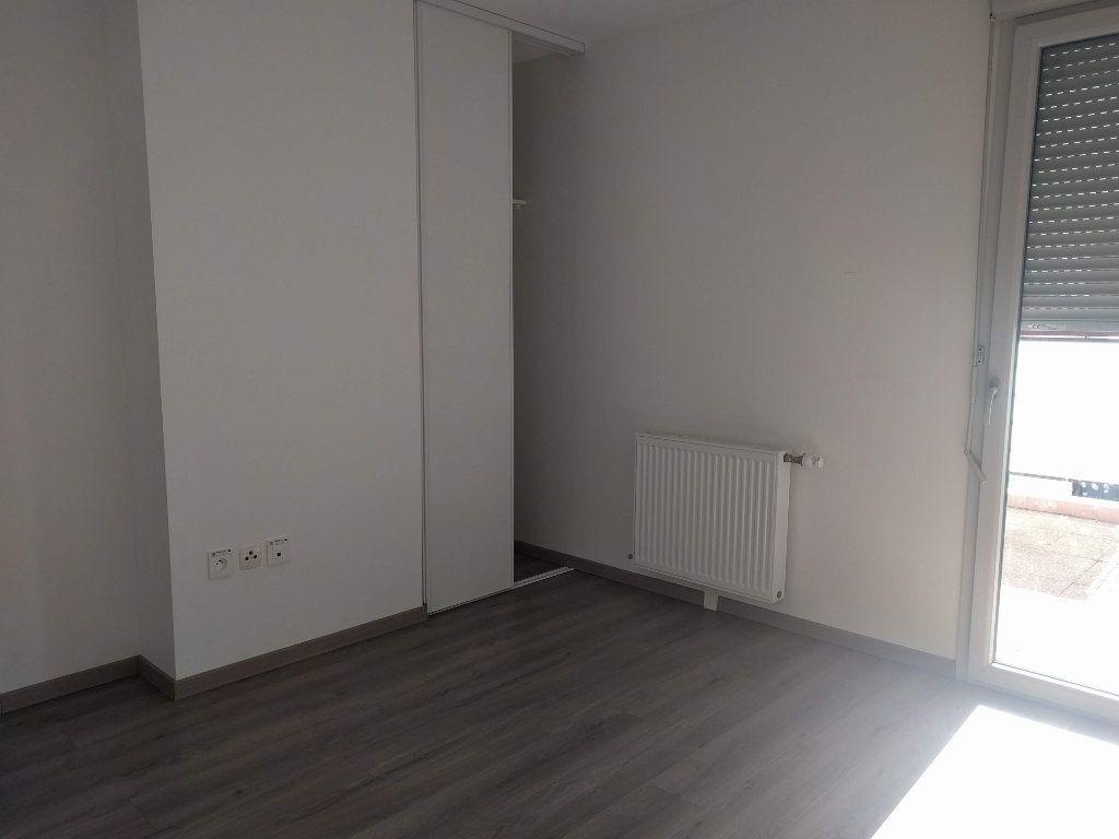 Appartement à louer 3 60.61m2 à Tournefeuille vignette-6