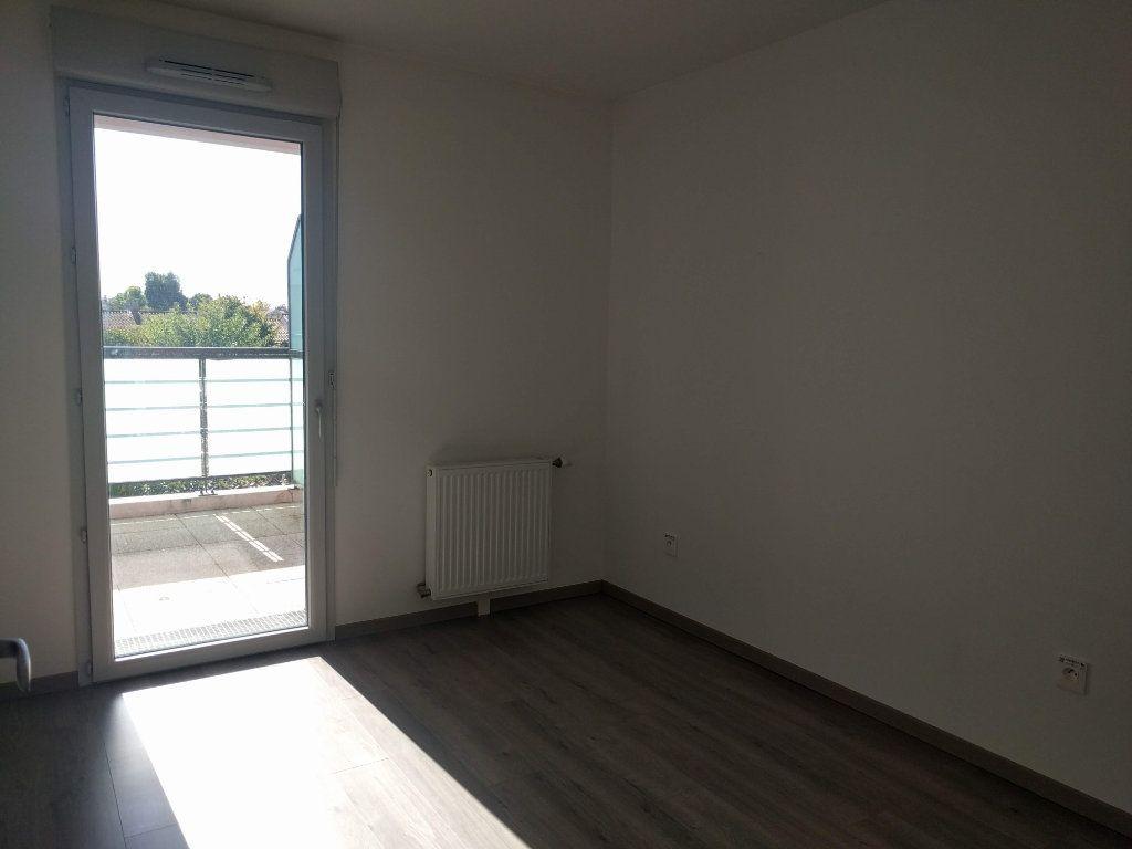 Appartement à louer 3 60.61m2 à Tournefeuille vignette-7