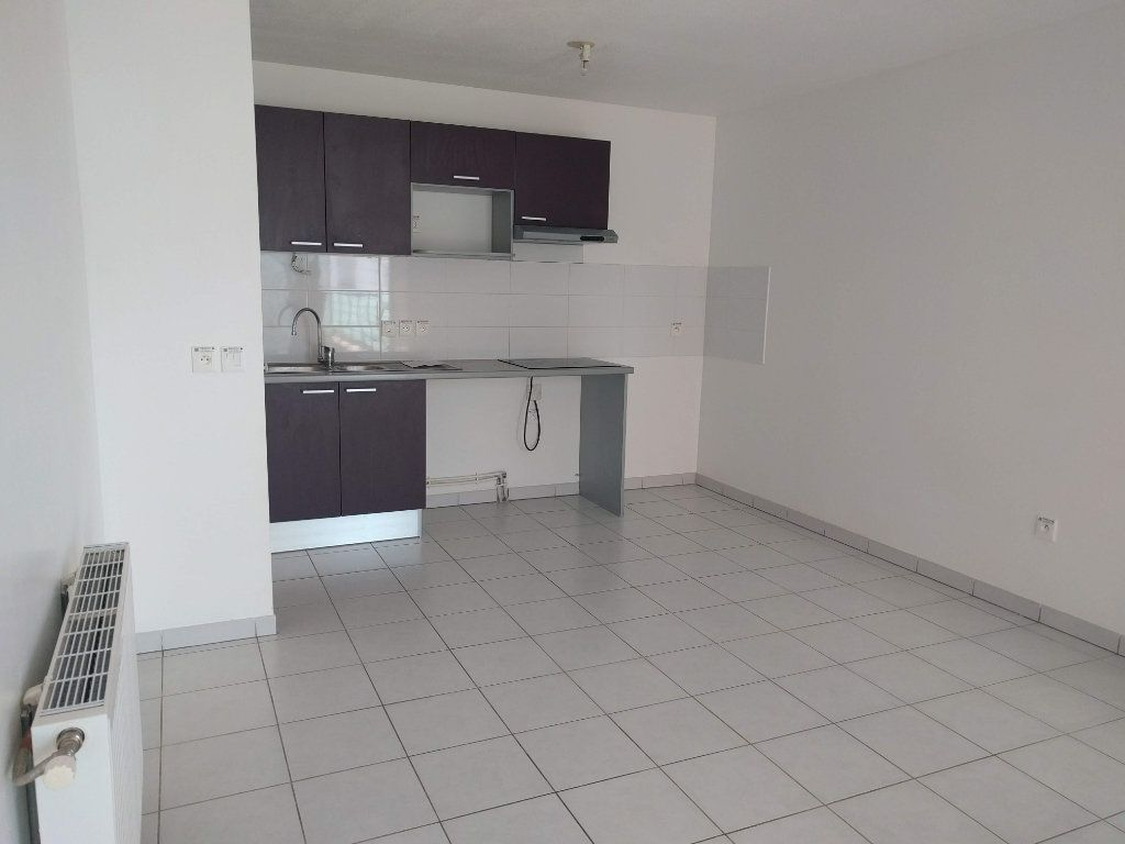Appartement à louer 3 60.61m2 à Tournefeuille vignette-8