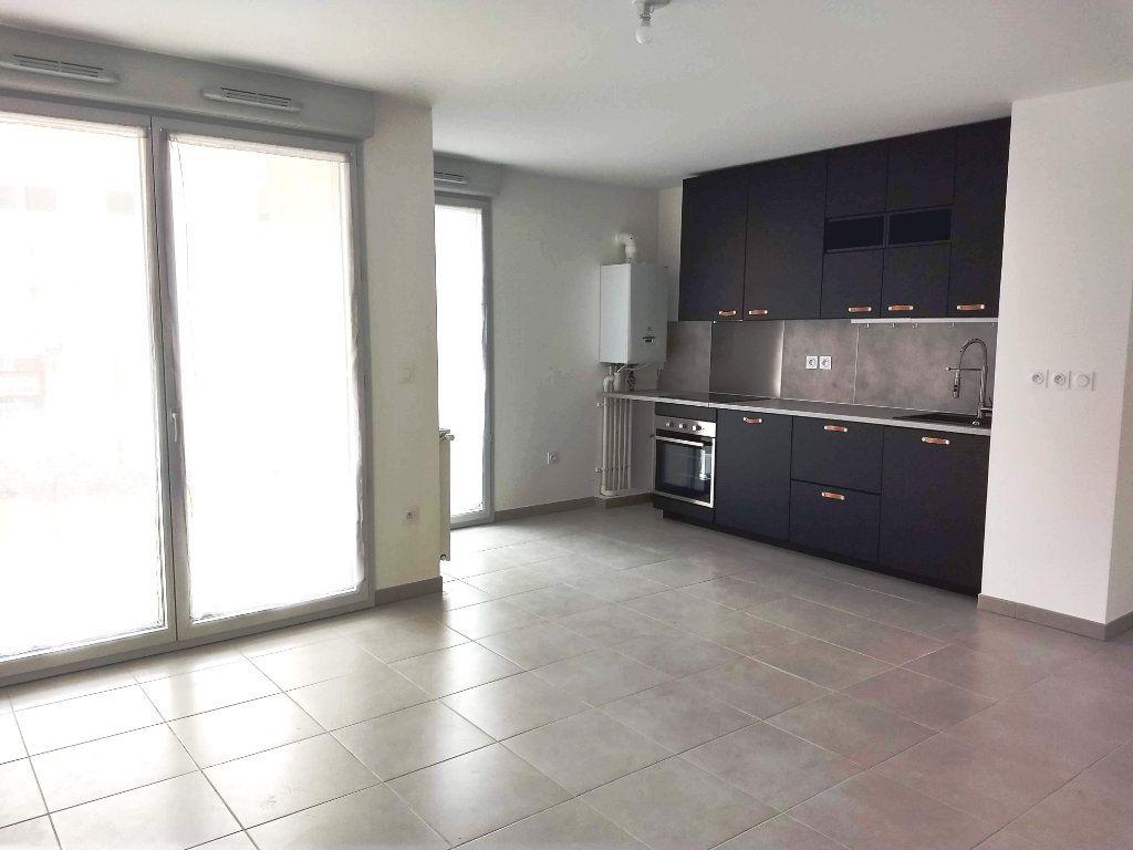 Appartement à louer 3 62m2 à Tournefeuille vignette-1