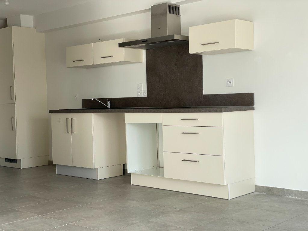 Appartement à louer 4 81.04m2 à Plaisance-du-Touch vignette-4