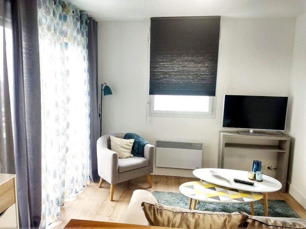 Appartement à louer 2 34m2 à Cugnaux vignette-3