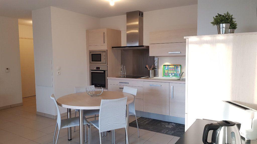 Appartement à louer 3 64.43m2 à Toulouse vignette-1