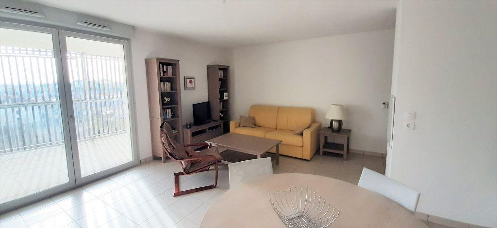 Appartement à louer 3 64.43m2 à Toulouse vignette-3