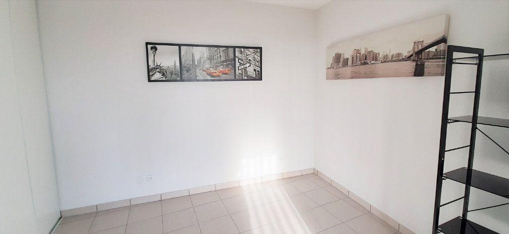 Appartement à louer 3 64.43m2 à Toulouse vignette-7