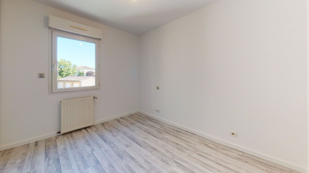 Appartement à vendre 3 74.92m2 à Tournefeuille vignette-8