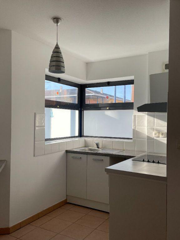Appartement à louer 3 69.1m2 à Tournefeuille vignette-2