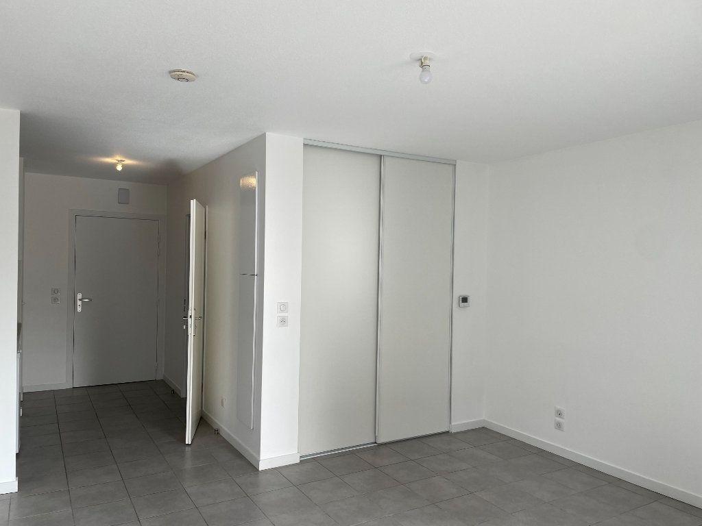 Appartement à louer 1 29.07m2 à Tournefeuille vignette-6