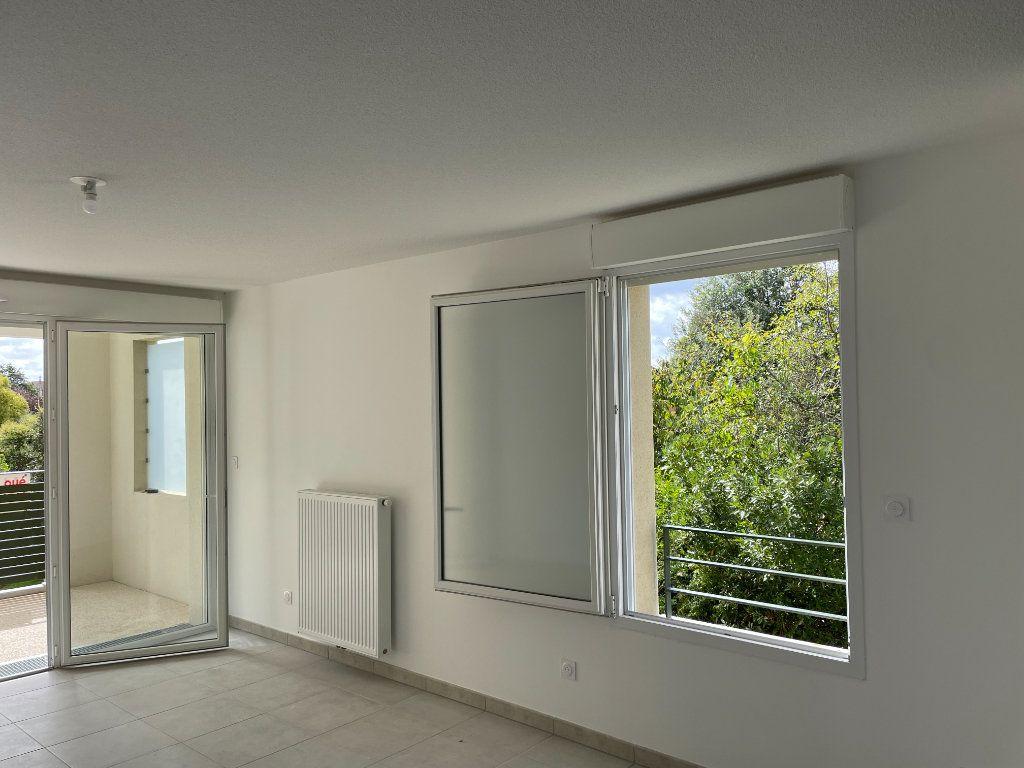 Appartement à louer 3 63.49m2 à Tournefeuille vignette-2