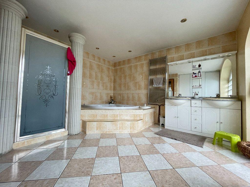 Maison à vendre 7 178m2 à Chavigny-Bailleul vignette-8
